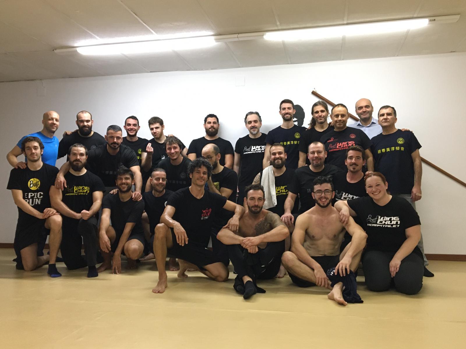 Foto de grupo entrenamiento kung fu sabadell